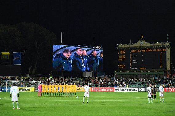 2 - Saudi Arabia National Team refuse to observe minute's silence for London terror victims during football match with Australia (Photos/Video)