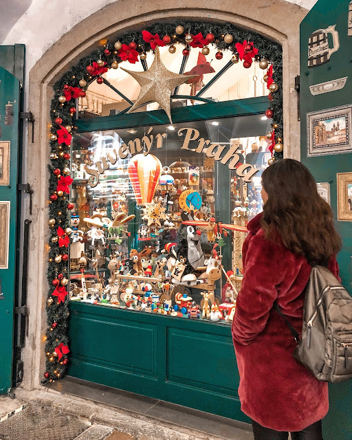 3 days in Prague at Christmas: souvenir shop