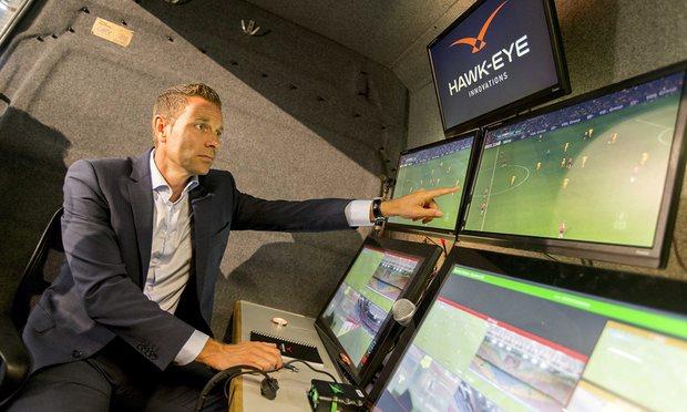 vídeo árbitro futebol tecnologias hawk eye