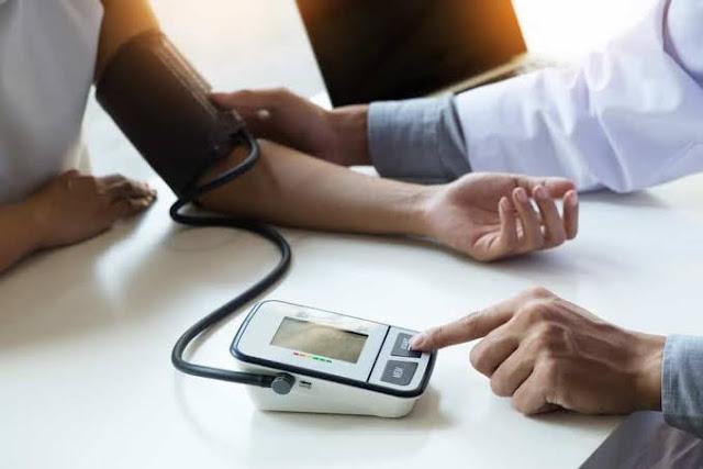 7 makanan dan minuman untuk meningkatkan darah rendah atau hipotensi - Sehat Media