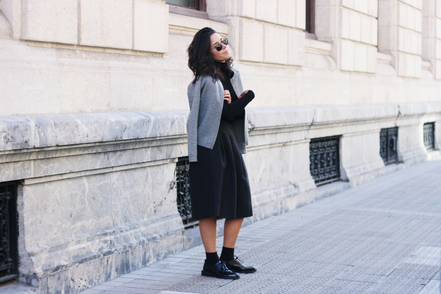 DANIEL WELLINGTON MIDI SKIRT LOOK