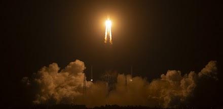 Δείτε τη στιγμή της κατάληξης του πυραύλου στη Γη (video)