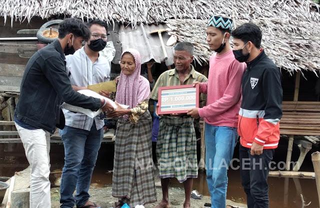 KPK dan KMI Kampus Aceh Berikan Bantuan Rp 1 Juta untuk Warga Kurang Mampu di Aceh Barat