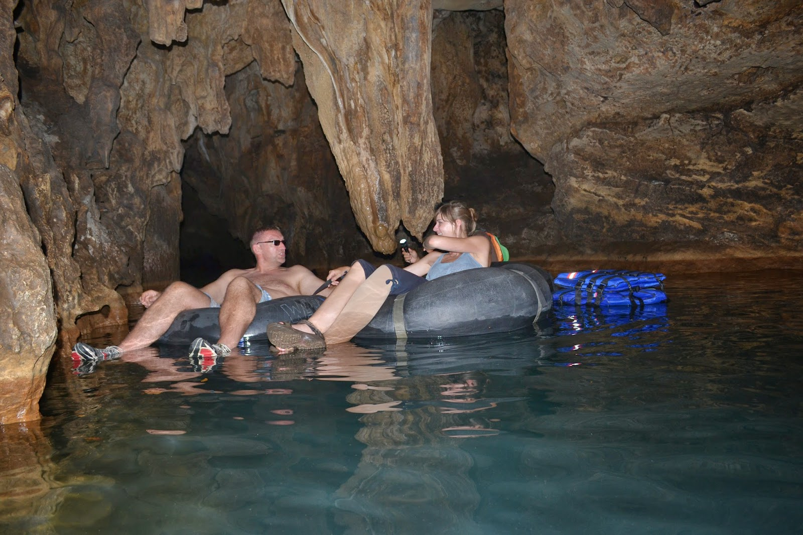 cave tubbing pindul