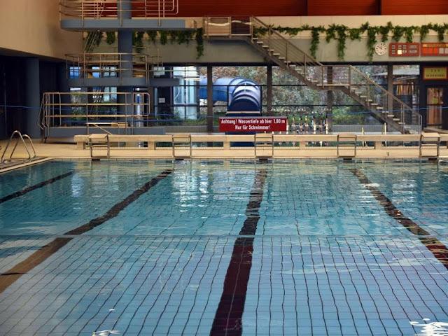 Swiss Paksa Siswa Muslimah Berenang Bersama Siswa Laki-laki