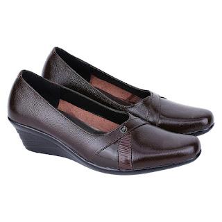 Sepatu Pantofel Wanita Catenzo US 042