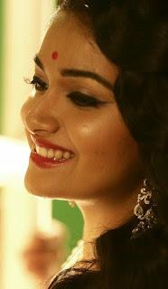 Keerthy Suresh with cute smile in Mahanati