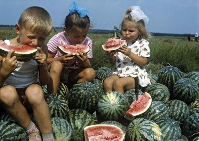 Для тех, кто скучает. Беззаботное советское детство в фотографиях!!!