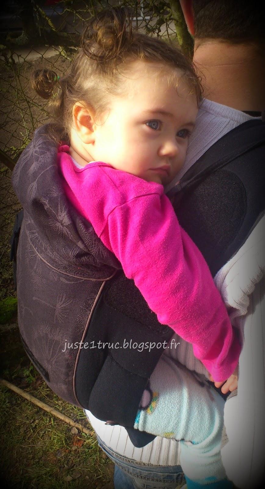 portage bondolino porte-bébé préformé hybride Hoppediz babywearing halfbuckle