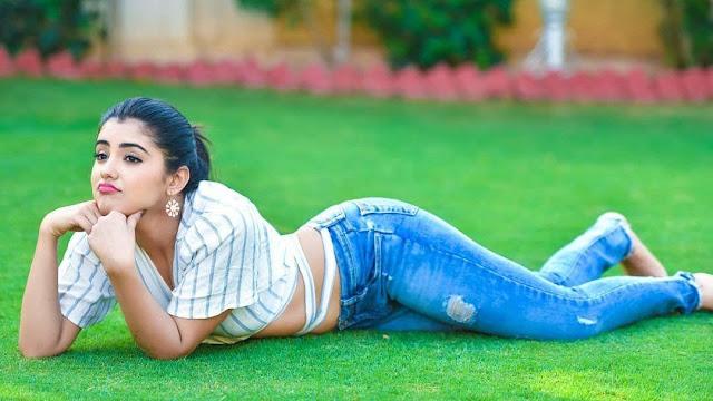 Malvika Sharma Sexy images