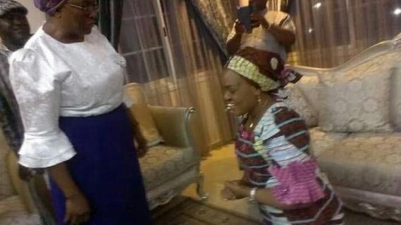 Photos: Benue State first lady knelt down to greet pastor Kumuyi's wife