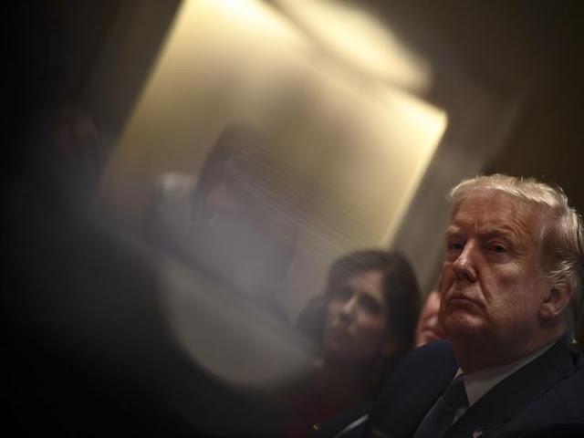 يوم أسود في تاريخ أمريكا.. بدأت إجراءات مساءلة ترامب فهل تفضي لإقالته؟