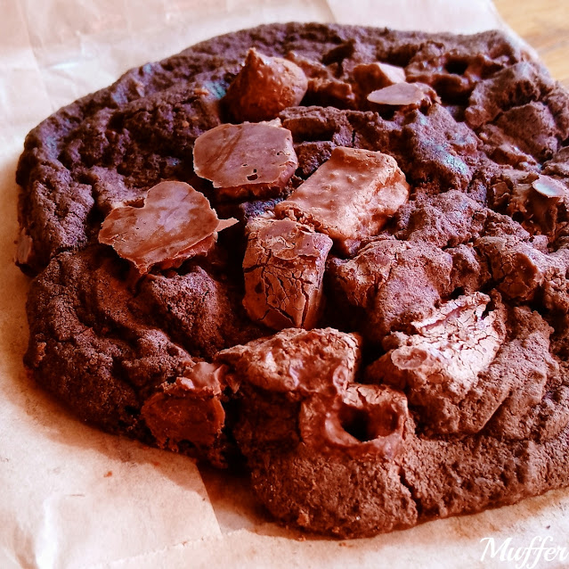 Streat Burger- Double Chocolate Cookie