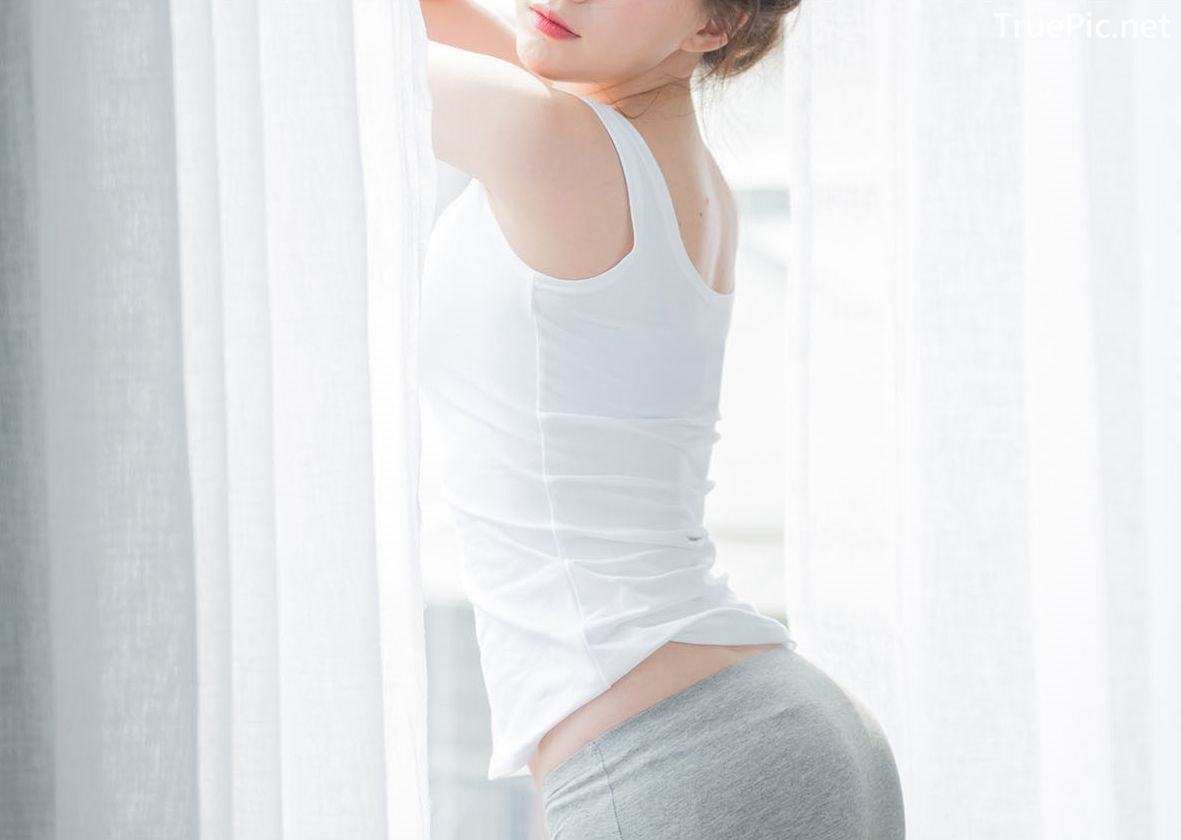 Image-Korean-Lingerie-Queen-Haneul-Model-Black-And-White-Fitness-Set-TruePic.net- Picture-9