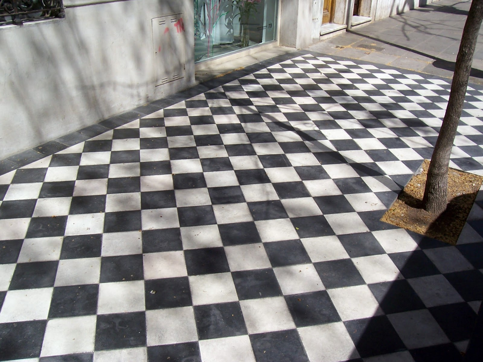 Quadrat Le Ponemos Fichas Al Cl 225 Sico Damero Blanco Y Negro