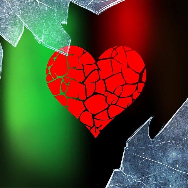 "Kisah Cinta Yang Bertepuk Sebelah Tangan ""Mantan Terindah"""