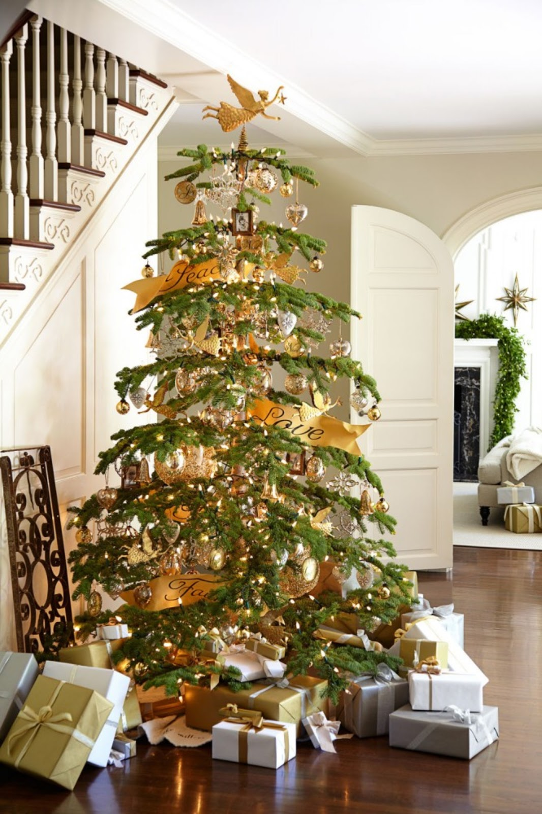 J. Thaddeus Ozark's Cookie Jars And Other Larks: Christmas