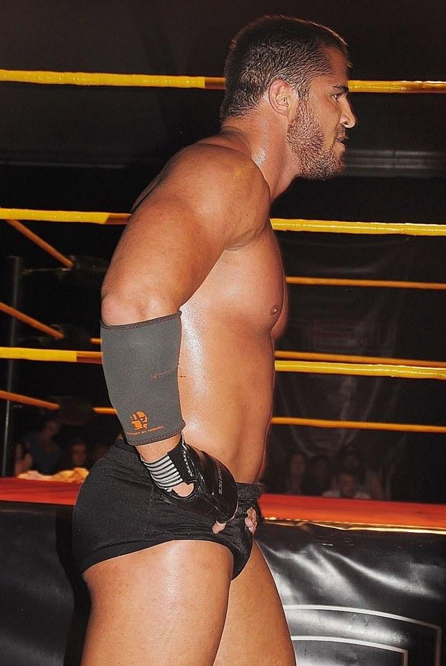 Beefcakes of Wrestling: Magic Mexx XXL (aka The Man In The