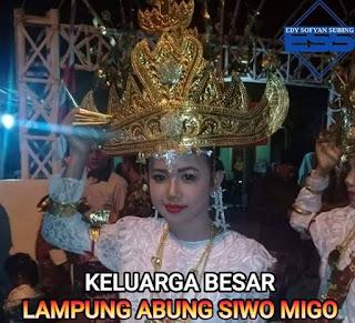 Pakaian adat Lampung maju Abung Buayunyai
