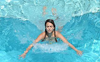 jessica_alba_piscina_film_estivi