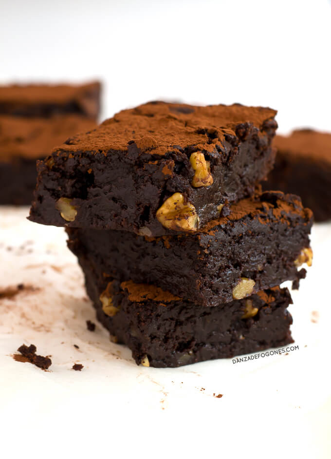 Vegan brownie | danceofstoves.com