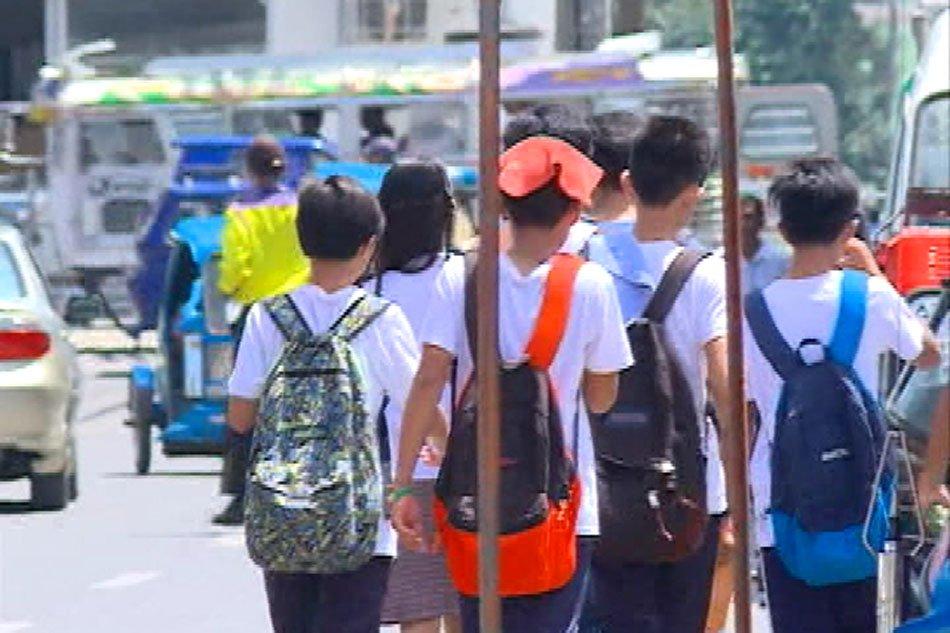 deklamasyon tungkol sa mga mag aaral na nagtatrabaho Aaral na ito sa mga manggagawang mag-aaral sapagkat nilalahad sa mga pag-aaral na ito ang saloobin tungkol sa kalagayan sa buhay at kung paanong nagagawang.