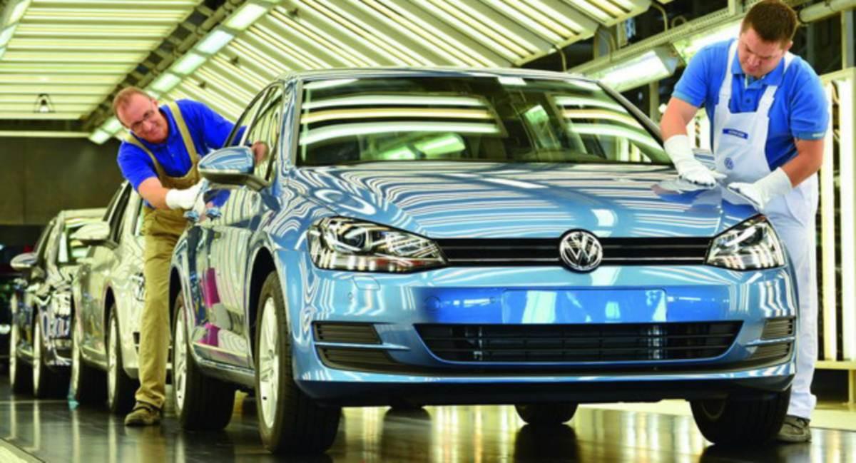VW Golf - fabrica