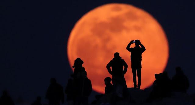 """""""ناسا"""" تنشر لأول مرة فيديو لسطح القمر بدقة """"4 ك"""""""