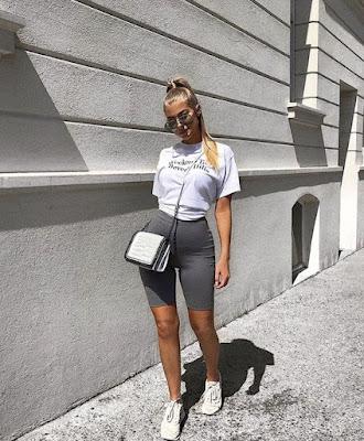 Calor pede pernas à mostra! Os shorts são a cara do verão e estão mais em alta do que nunca.