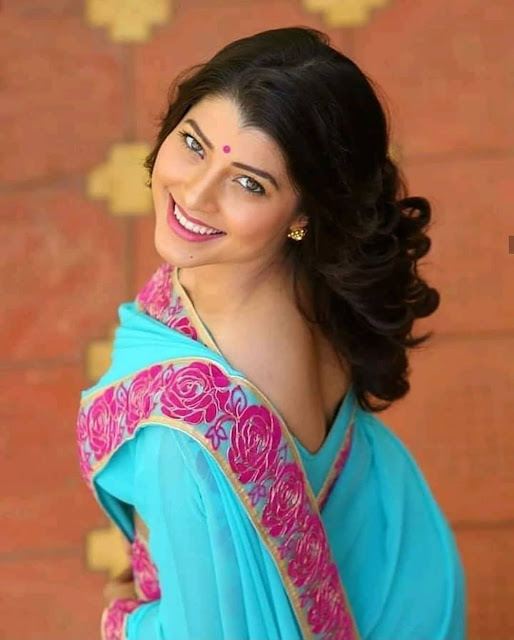 Tejaswini Pandit  (Actress) Wiki,Bio,Age, Education, Awards, Family and Many More
