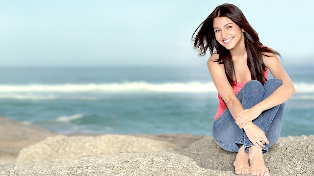Beautiful Anushka Sharma HD Wallpaper