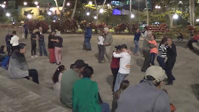 plaza de la democracia, swing y bolero, bailango