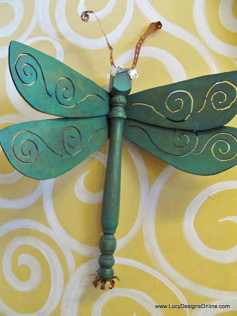 dragonfly art swirled wing design