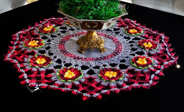 Centro de Mesa Cinza  com Flores