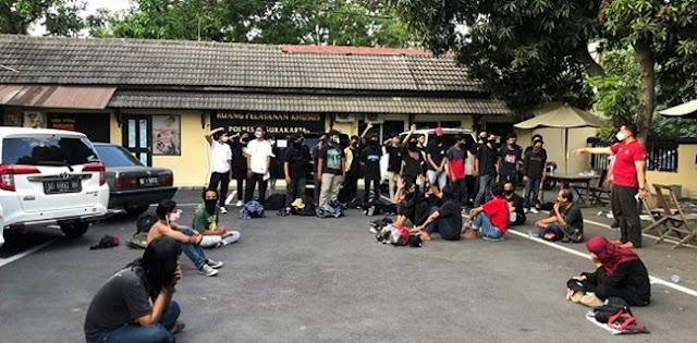 Satu Massa Aksi Masih Ditahan Polres Surakarta, Korlap Aksi Solo Raya Bergerak Serukan #BebaskanFaqih