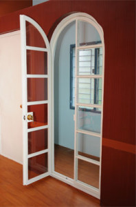 pintu dan jendela semakin berkurang karena sudah lumayan jarang dijumpai untuk bahan kayu  Penggunaan UPVC Sebagai Pengganti Kayu