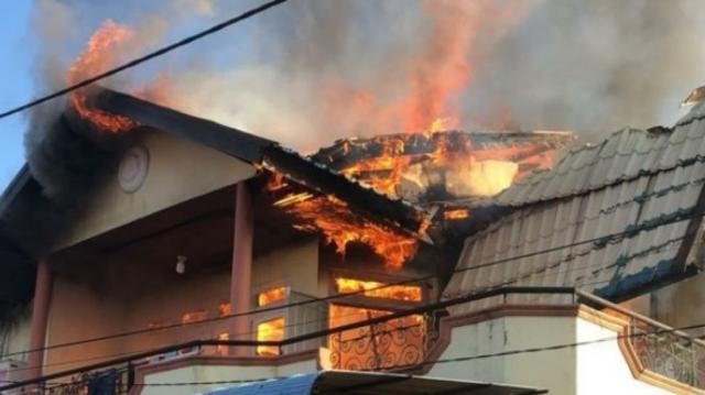 Ngecas HP di Atas Kasur, Satu Rumah di Pontianak Terbakar