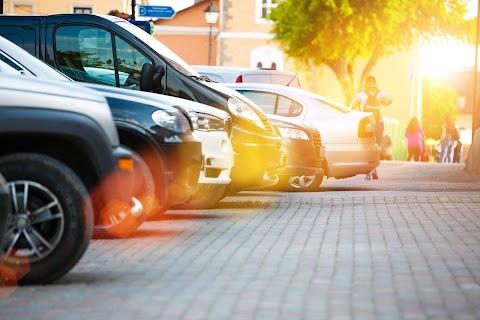 Parkolás közben ütötte el áldozatát a fiatalkorú vádlott