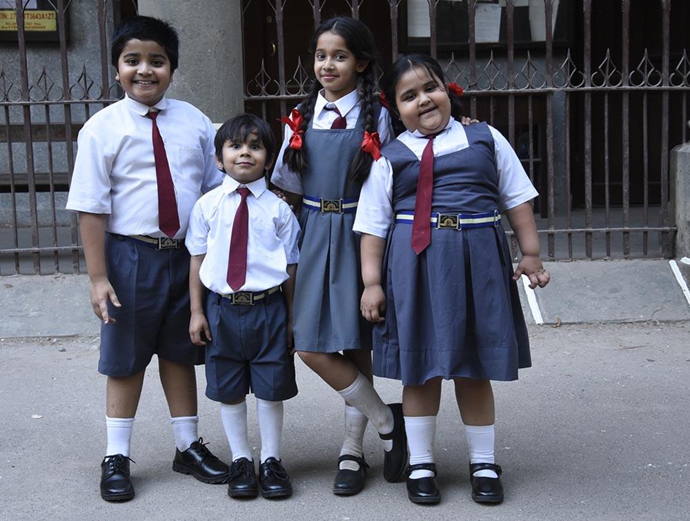 देशना दुग्गड़ आका मरियम अपने स्कूल के तीन दोस्तों के साथ शो मरियम खान रिपोर्टिंग लाइव में