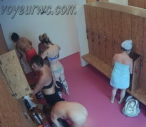 Changing room spy cam shoots women that came to the gym (Lockerroom 2148-2153)