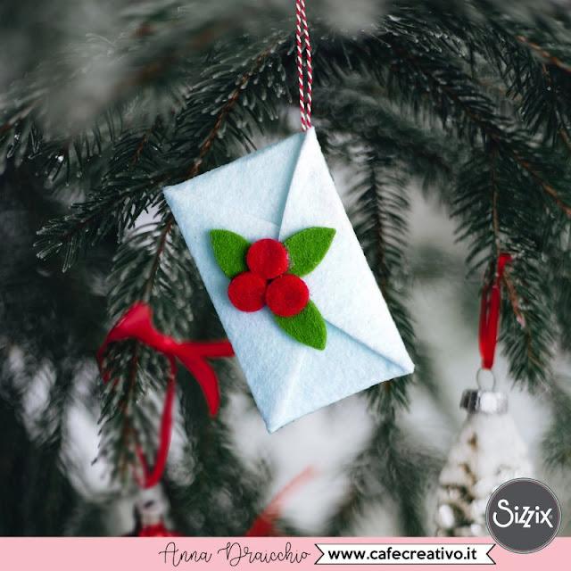 Natale fatto a mano: Busta in feltro di Babbo Natale – fai da te