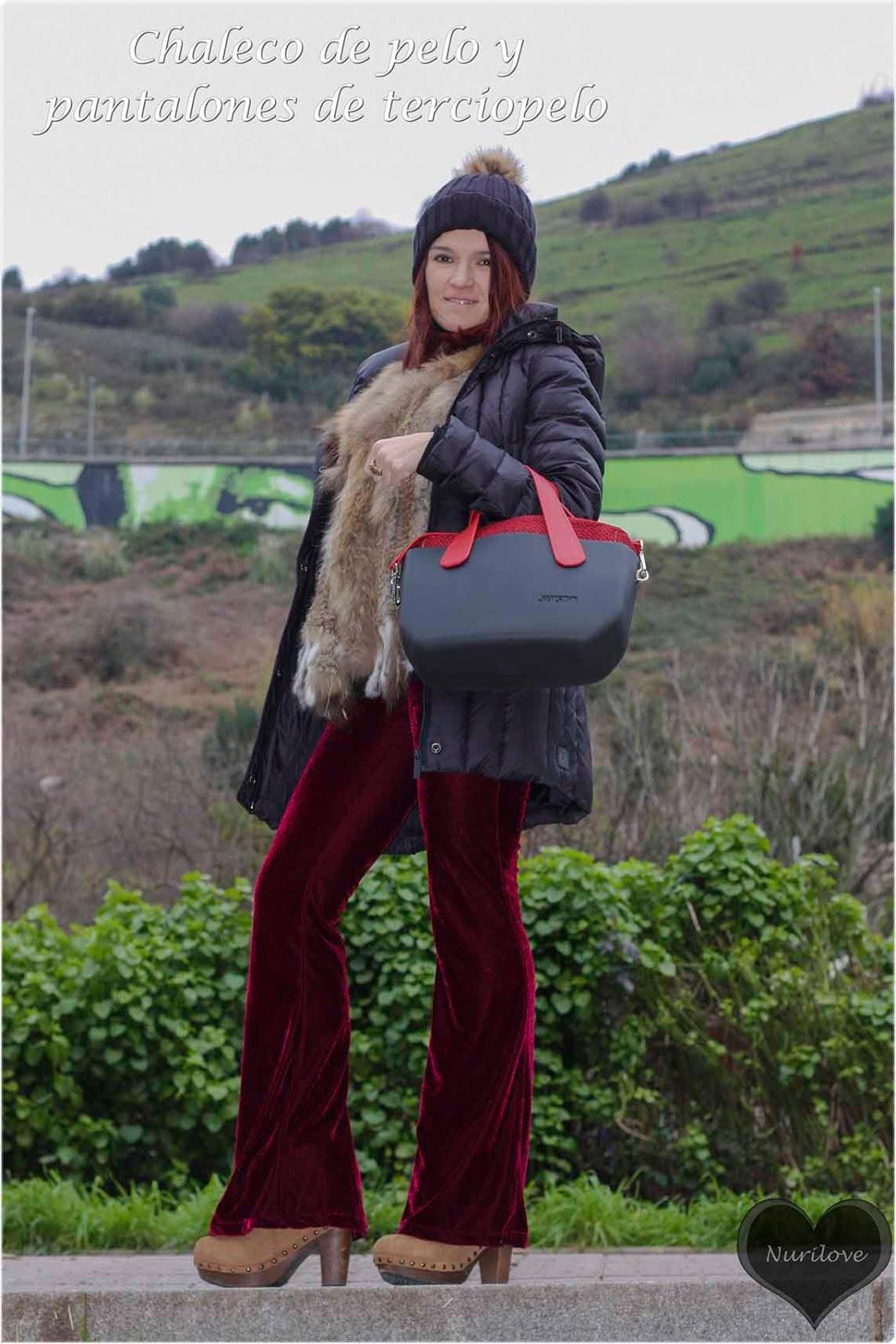 pantalones velvet combinados con chaleco de pelo