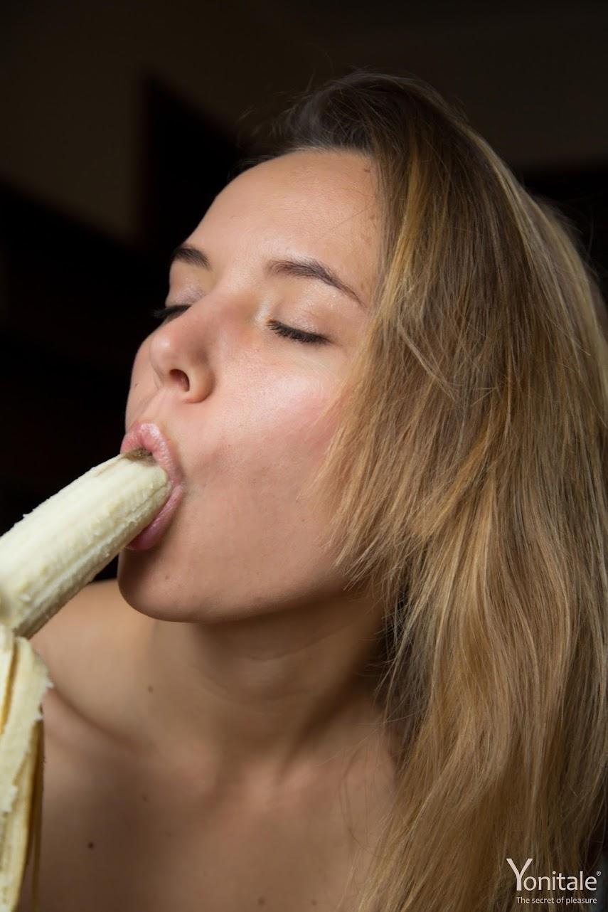 [YoniTale] Katya Clover, Nedda Y - Banana Sharing yonitale 06090