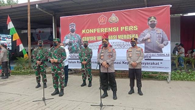 Turun ke Medan, Panglima TNI dan Kapolri Tinjau Vaksinasi di Pasar Lau Cih