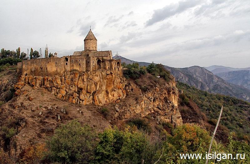 Monastyr-Tatev-Armeniya