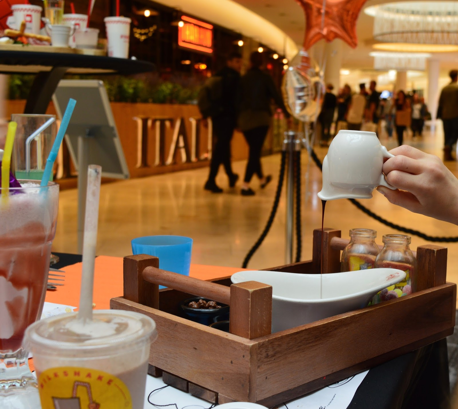 Our Guide to Family Restaurants & Children's Menus at intu Metrocentre - Ice Cream Candy Shop F&B's