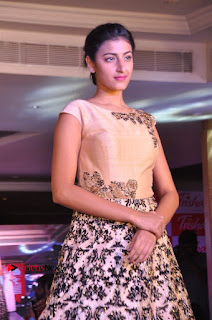 South Indian Celebrities Pos at Love For Handloom Collection Fashion Show  0088.jpg