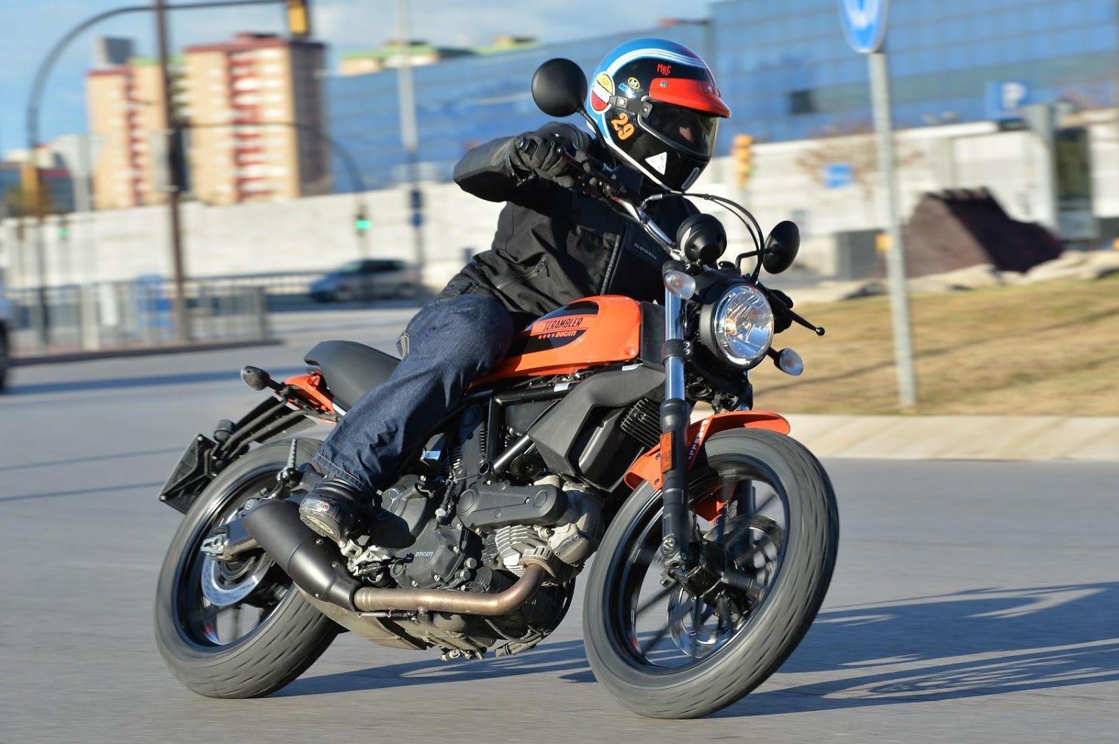 Ducati Scrambler Sixty Vs Bmw