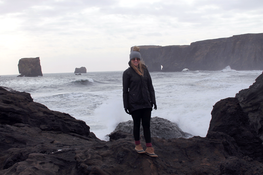 boston blogger in iceland, Dyrhólaey waves crashing, rocks at Dyrhólaey, beach at Dyrhólaey, style blogger in iceland