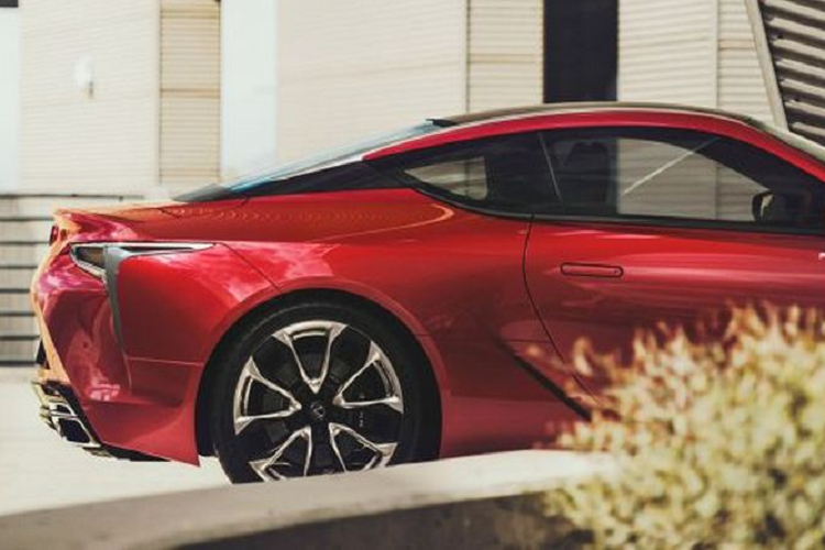 Lexus LC 500 2020 mới từ 6,77 tỷ đồng tại Đông Nam Á